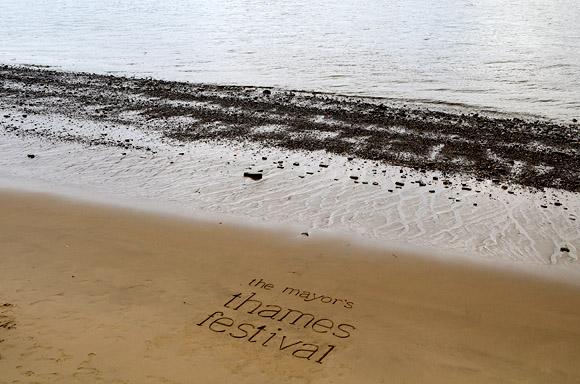 thames-festival-southbank-2011-17