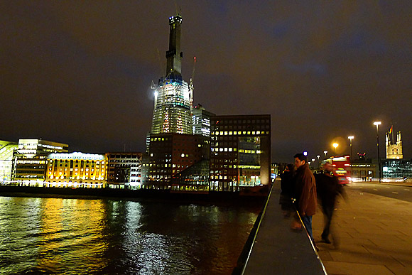 the-london-shard-night-jan-2011-01