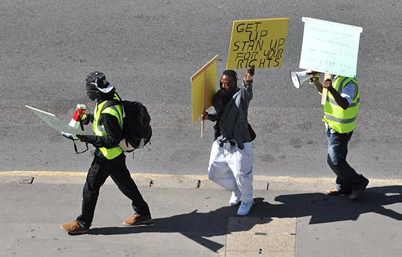 three-man-protest-01