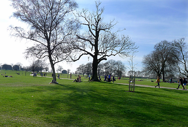 A sunny Spring Sunday afternoon in Brockwell Park