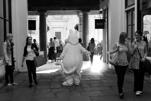 Covent Garden, the white cuddly bear and church steps