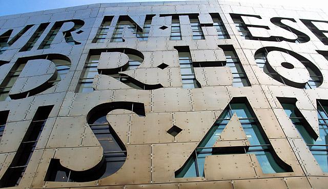Happy St David's Day/ Dydd Gŵyl Dewi Sant, March 1st 2012