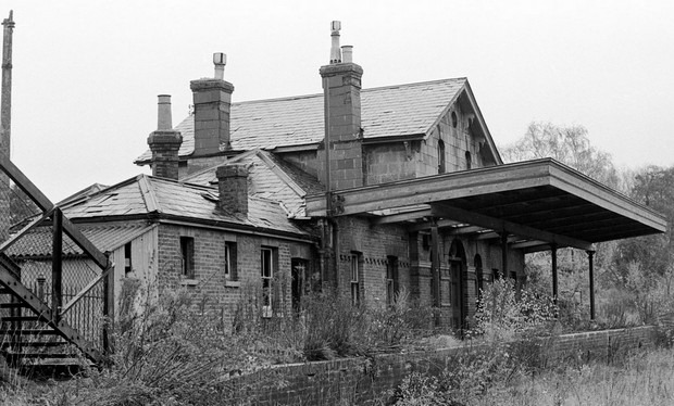 Abandoned station near Heathrow - can you recognise it?