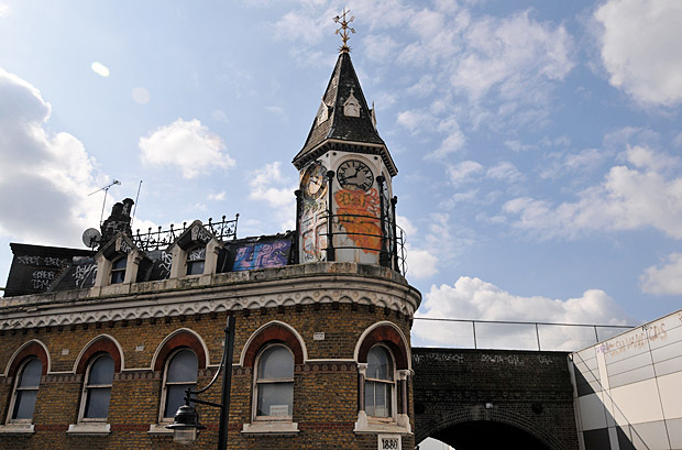Could Brixton Bradys (Railway Hotel) be coming back as a pub?