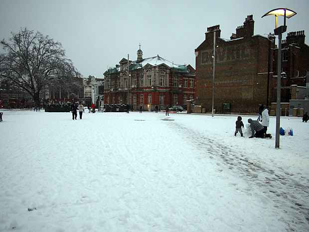 Brixton snow and snowmen, Windrush Square, Loughborough Park and Coldharbour Lane-05