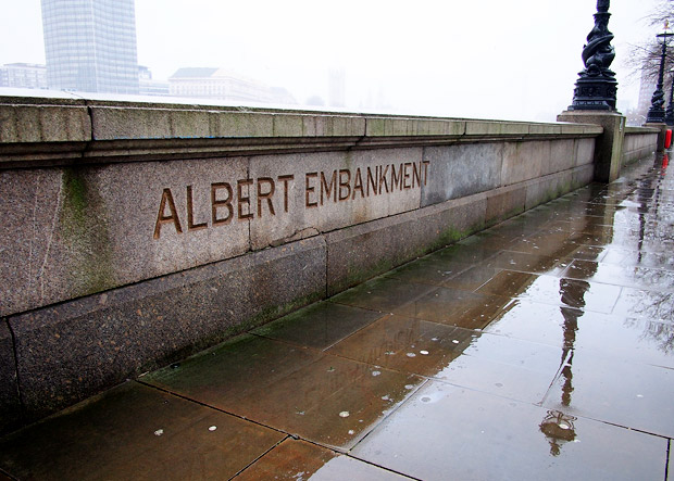 A damp and grey London walk along the Albert and Victoria Embankments4