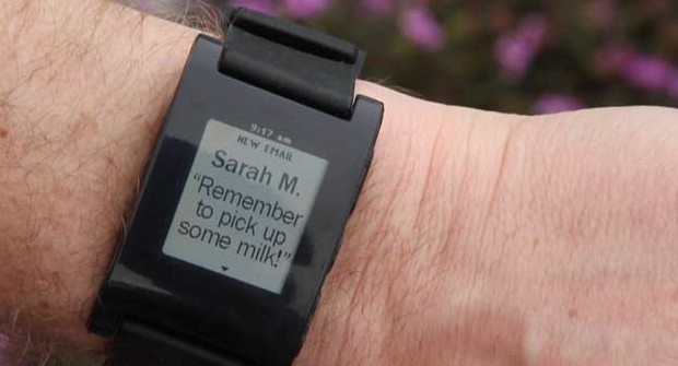 Pebble Smartwatch shipments start, Android OS app ready, iOS held up