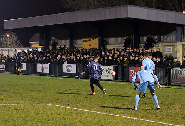 Dulwich Hamlet 1 Maidstone Utd 1 - honours even in top of the table clash, 26th March 2013