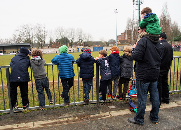 Dulwich Hamlet 3 Sittingbourne 1 - a freezing cold but satisfying afternoon on the terraces, 9th March 2013
