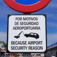 I liked this straightforwardwarningsign outside Murcia airport insouthernSpain. It gets the message across with no fuss and the minimum of words.