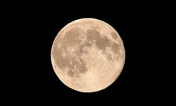 Moon in the evening sky over London, and some space age ramblings