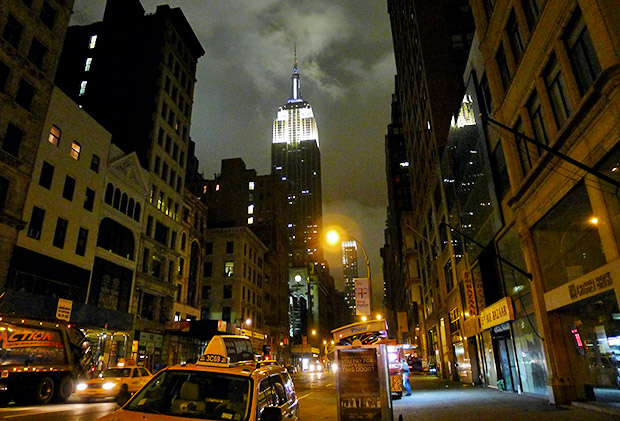New York City at night - seven nocturnal photos