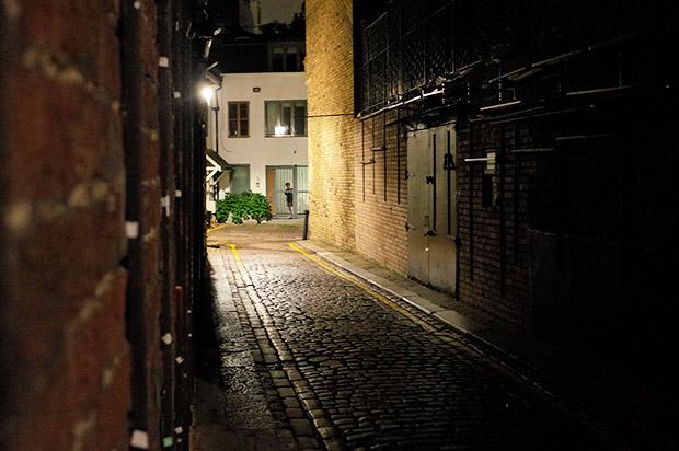 Portobello Road at night - antiques, burgers and a friendly pub