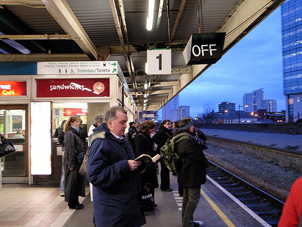 Cardiff Queen Street station gets its platforms back