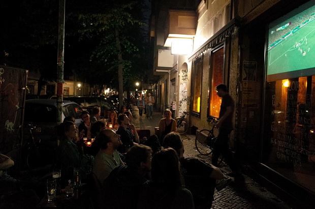 My favourite Berlin bar - Bar Mama, Hobrechtstraße 61 12047 Berlin