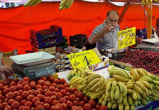 Photo feature - Turkish Market, Maybachufer in Berlin Neukölln, Germany