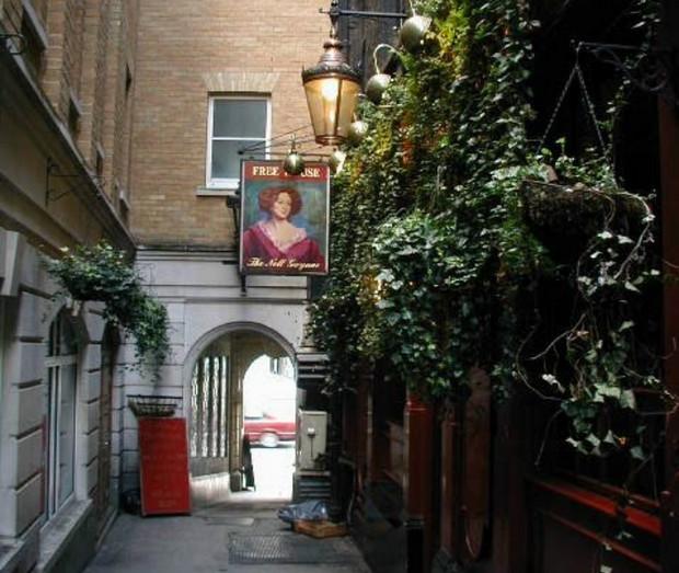 Nell Gwynne pub, Strand, London - ideal for scaffolding enthusiasts