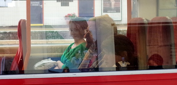 I was waiting on the platform at Vauxhall station on Saturday afternoon, when I noticed this woman smiling at me from a train that had just pulled in. I instinctively […]