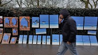 Here's asmall set of photos from a rainy London weekend.Above, a man passes a collection of beach paintings hung on the railings of Green Park, on Piccadilly. The artist sagely […]