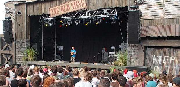 There were loads of fantastic acts to be seen at this year's Boomtown Fair, but the two I enjoyed the most were undoubtedly Beans On Toast and Captain Hotknives.