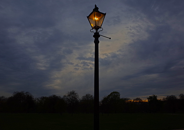 Pic of the day: the wonderful gas lamps of Hyde Park, London