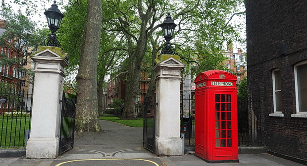 London's hidden gem: Mount Street Gardens and a wonderful church in Mayfair