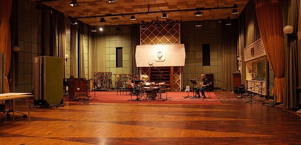 Yesterday I was fortunateenough to spend time atthe BBC's famous studio complex at Maida Vale, recording live tracks with my old/new band The Monochrome Set for Marc Riley's BBC6 Music […]