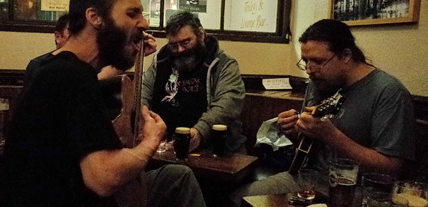 Wedidn't really expect to find too much happening on a November Monday night in Edinburgh, but the city proved uswrong and delivereda blooming marvellous night out. Booze was drunk, bands […]