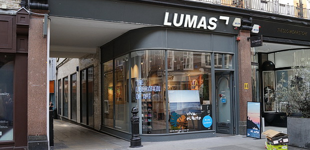 Lumas of Mayfair, London: the poshest photo gallery I've ever set foot in