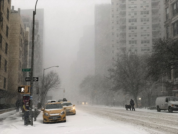In photos: Snow in Manhattan. Wintry scenes on the streets of New York