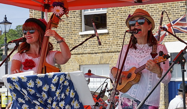 Leigh-on-Sea Folk Festival 2018: Sun, music, mud, beer and flying knickers - photos