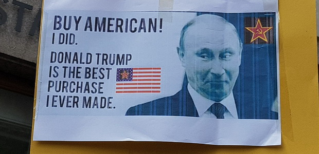 Donald Trump protest: Londoners come out in force with hilarious banners, Fri 13th July 2018