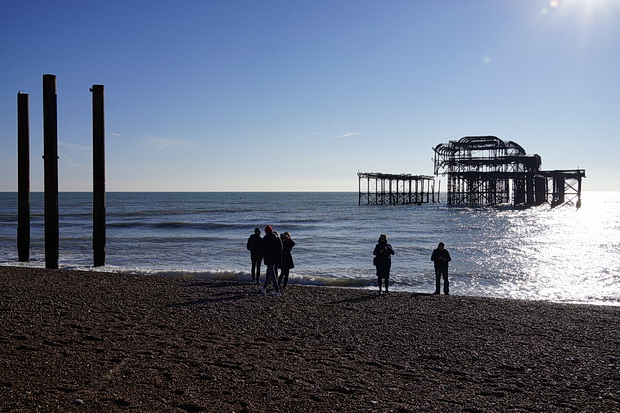 The last remains of Brighton's West Pier and the British Airways i360 tower, November 2018