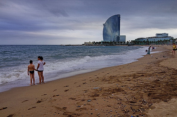In photos: a look at the Barcelona beaches in the last days of summer