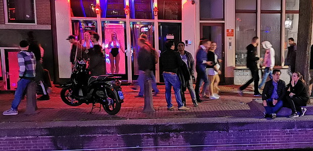 Amsterdam red light district, heavy metal Excalibur bar and the San Francisco nightpub - in photos