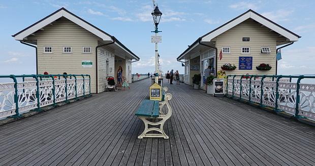 Penarth promenade and pier in photos, south Wales