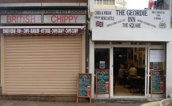 The Brits in Benidorm: English flags, Chippies, Bingo, Beer and Pubs, November 2004