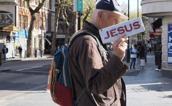 London street photography - 25 photos from central London, April 202