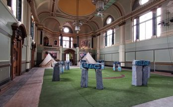 Astonishing art in an astonishing location: Art in the Age of Now at Fulham Town Hall