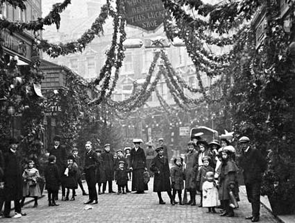 Electric Avenue decorated for Christmas 1908.
