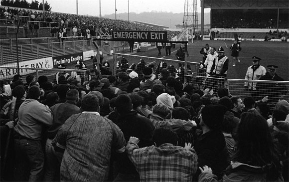 Great minor football scuffles: Cardiff vs Luton 1994