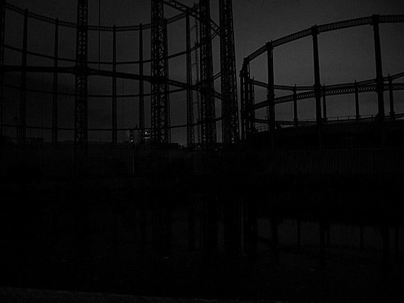 Photos of late night gasometers, Andrews Road, Hackney, London E8, November 2009