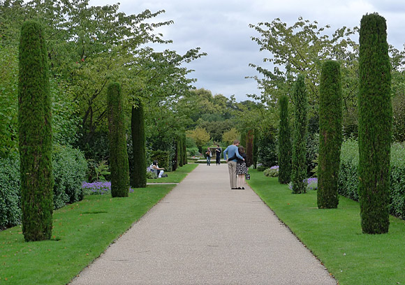 A Walk Around Fitzrovia And Regent S Park Central London