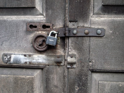 General Market Smithfield Market Clerkenwell London Padlocked door. & Photos of the General Market Red House cold store and Annex ... Pezcame.Com