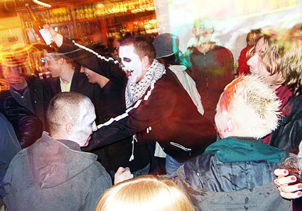 Offline Halloween Party at the Prince Albert with Drunken Balordi, Captain Hotknives and Ukulele Gangstas - Coldharbour Lane, Brixton, London Friday 31st October 2008