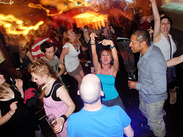 Fri 25th May 2012: DJ night at the Brixton Offline Club, Prince Albert, 418 Coldharbour Lane, Brixton, London SW9