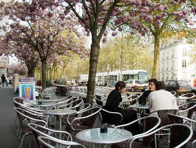 cafe allee du port maillard bouffay district nantes france. Black Bedroom Furniture Sets. Home Design Ideas