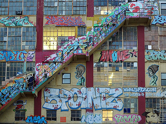5Pointz Aerosol Art Center, Inc, Jackson Avenue at Crane Street and Davis Street, Long Island City, NY 11101, New York City, New York, USA