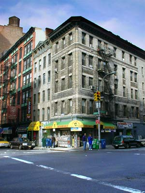 Spring Street/Lafayette Street, SoHo, Manhattan, New York ...