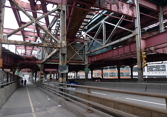 Photos of the Queensboro Bridge and the Roosevelt Island ... | 580 x 405 jpeg 105kB